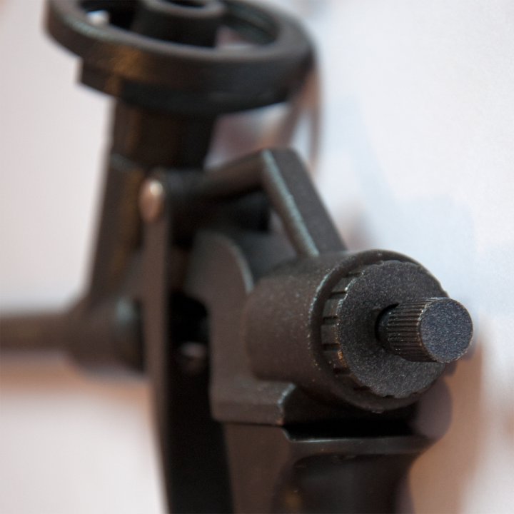 Пистолет тефлоновый для полиуретановой пены Den Braven (Ден